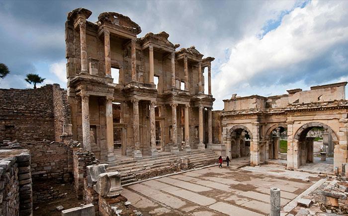 Ephesus Tour from Didim (Half Day)